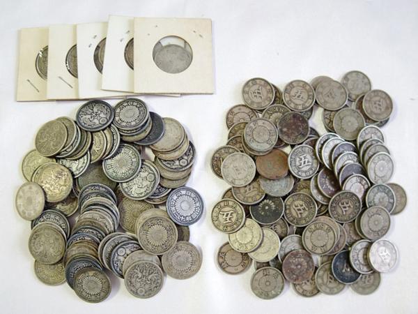 小型50銭銀貨+菊5銭白銅貨 おまとめ 約0.90kg /状態真贋不問品|まるオク